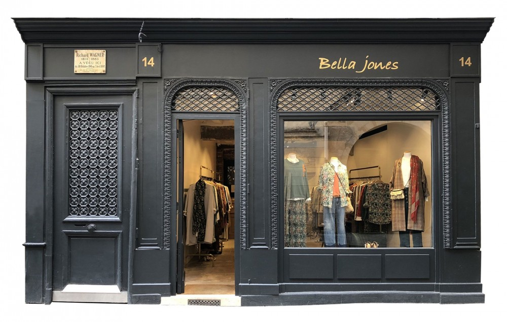 BOUTIQUE BELLA JONES